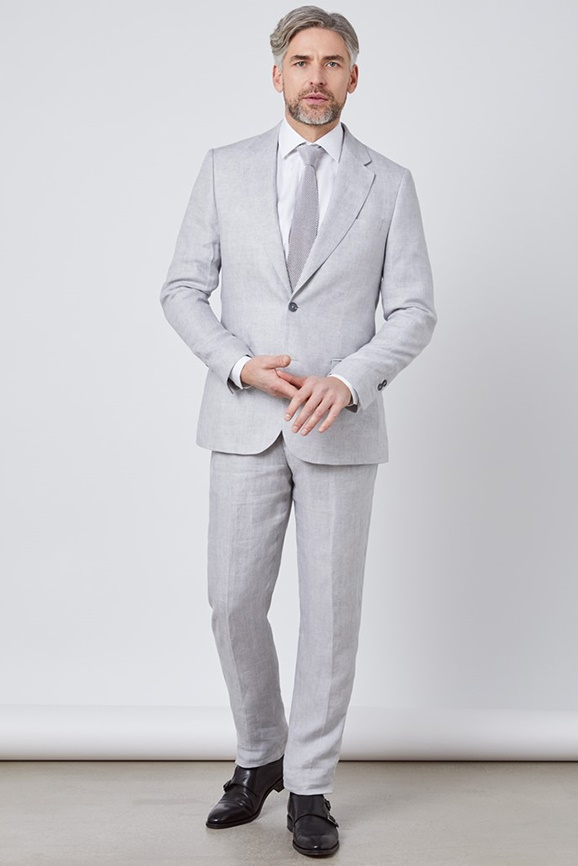 Anzüge in Extra Slim Fit, Slim Fit & Tailored Fit in Premiumqualität günstig shoppen.