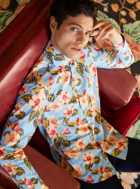 Casualhemden mit ausgefallenen Paisley Prints und hohem Kragen im Bündelpreis günstig kaufen bei Hawes & Curtis.