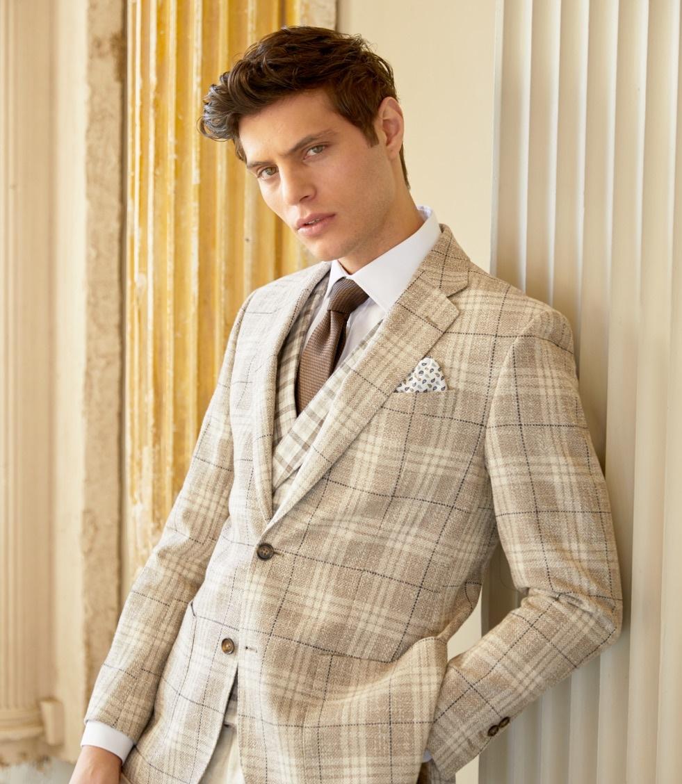 Sakkos aus italienischen Stoffen und im angesagten Brit Chic Style vom Londoner Herrenausstatter Hawes & Curtis.