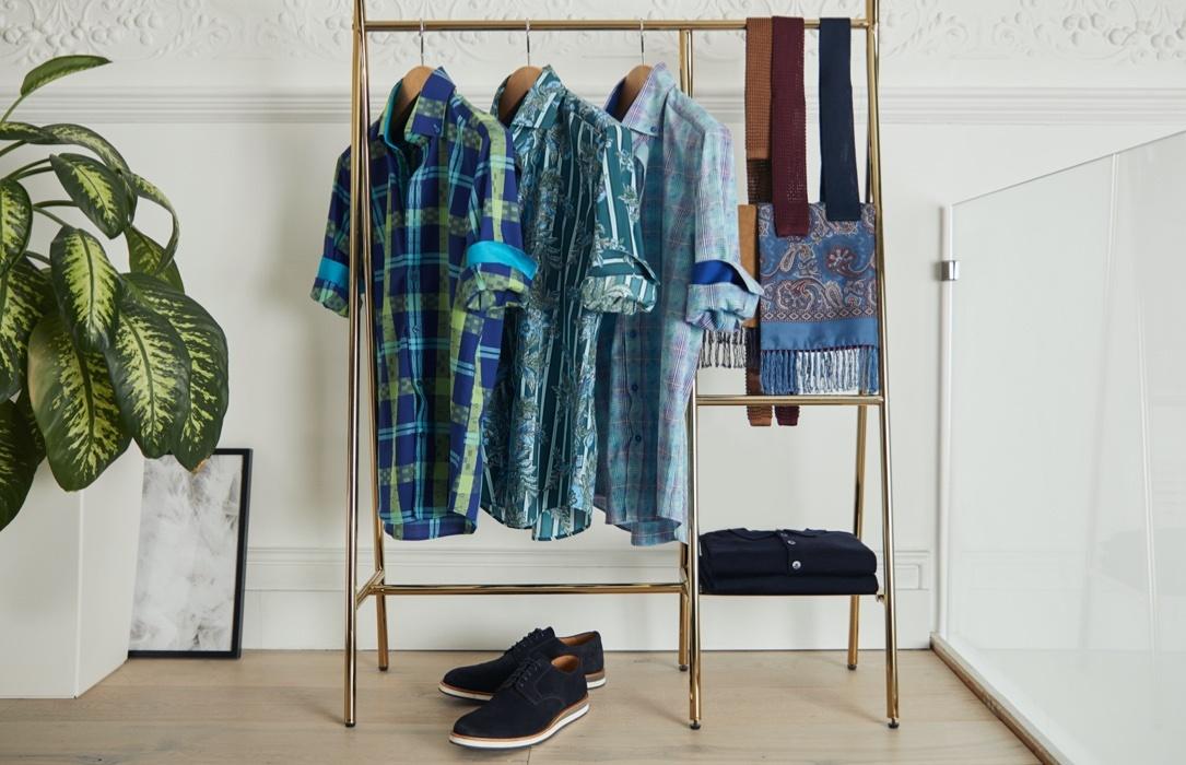 Casualhemden mit ausgefallenen Paisley Prints und hohem Kragen von Hawes & Curtis.
