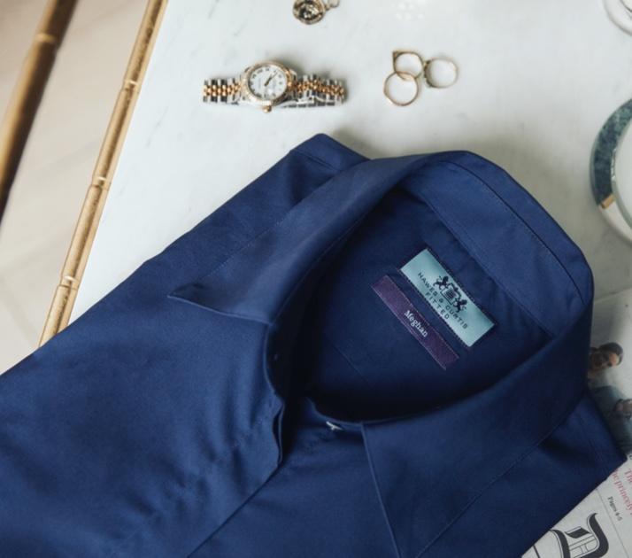 Business Blusen aus Baumwolle und Schluppenblusen aus Satin von Hawes & Curtis aus London.