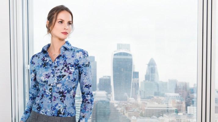 Damenbluse mit floralem Print auch businesstauglich