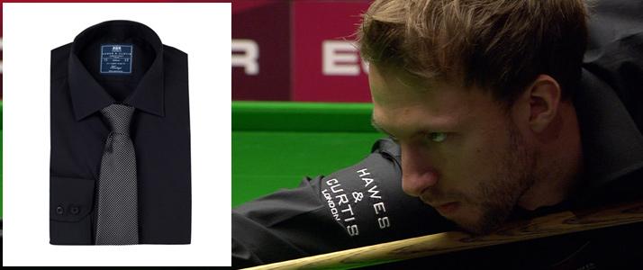 Schwarze Baumwoll Hemden beim Snooker.