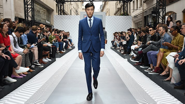 London Catwalk Fashion Hawes & Curtis Anzüge
