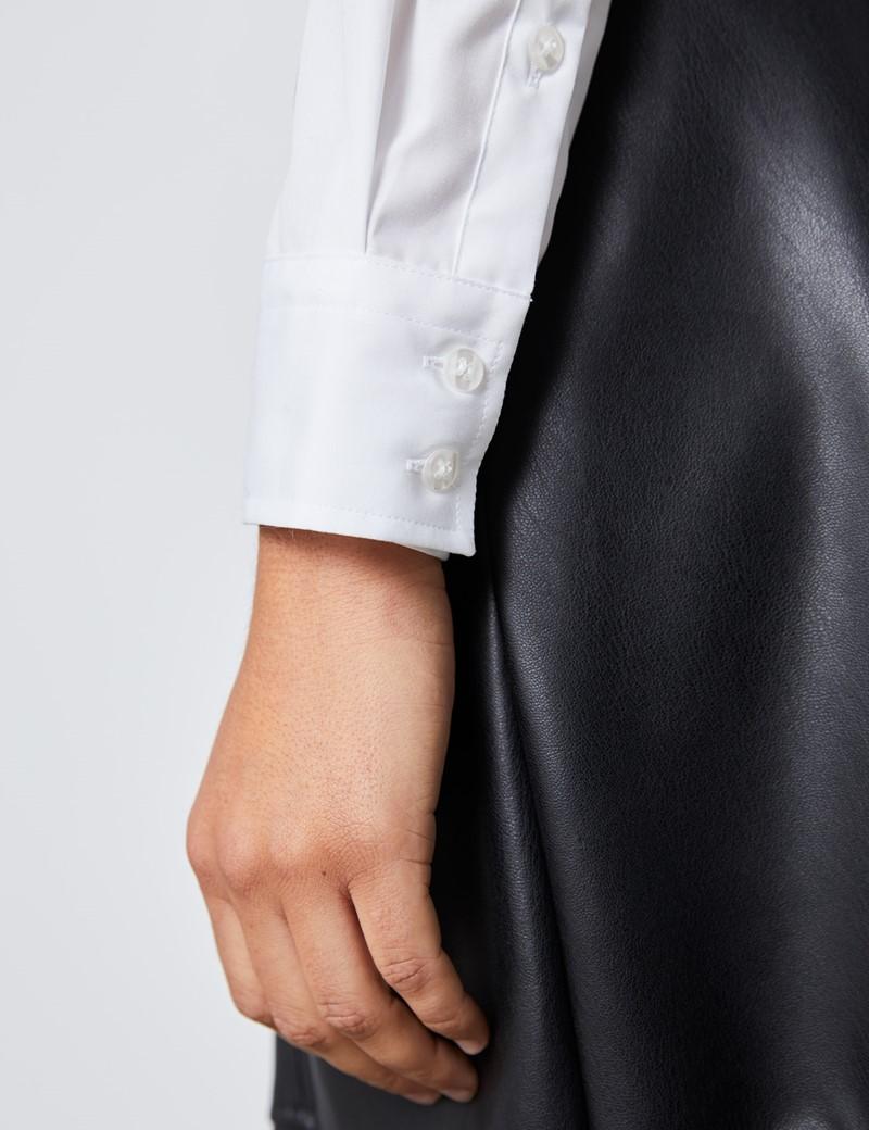 Boutique Bluse – Regular Fit – Baumwolle – Weiß mit Lochstickerei