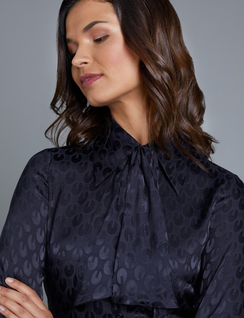 Women's Boutique Navy Dobby Jacquard Semi-Fitted Shirt - Single Cuff