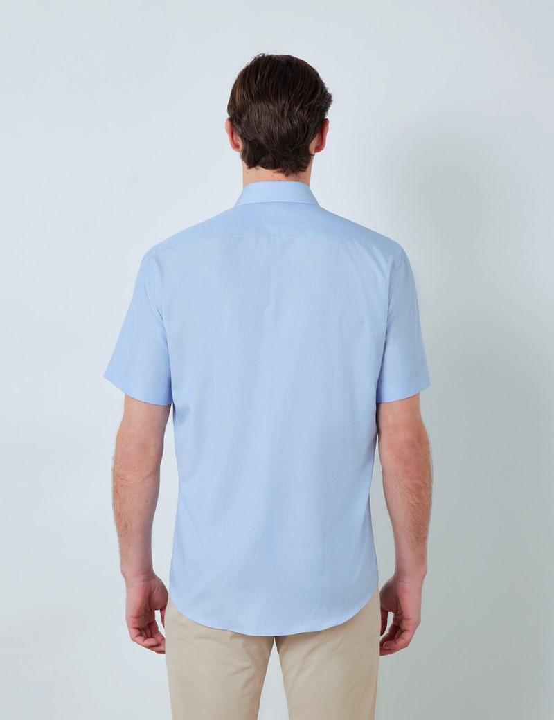 Bügelleichtes Kurzarm Hemd – Tailored Fit – Brusttasche – blau