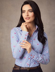 Women's Blue & White Beach Print Fitted Shirt - Single Cuff