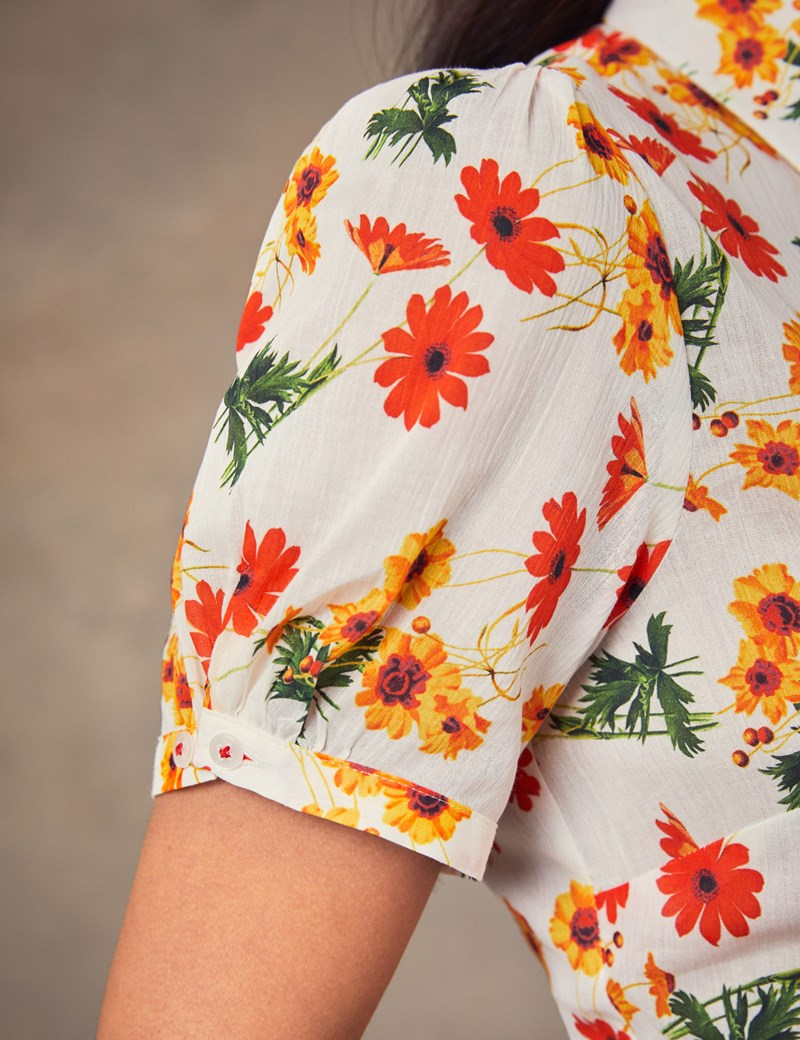 Women's White & Yellow Peppa Floral Fitted Short Sleeve Shirt