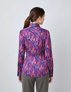 Satinbluse – Slim Fit – spitzer Kragen – violett rosa Paisley