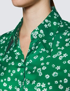 Women's Green & White Daisy Print Vintage Collar Satin Fitted Blouse