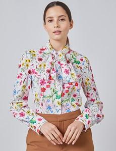 Schluppenbluse – Slim Fit – Satin – rosa & rot Blumen