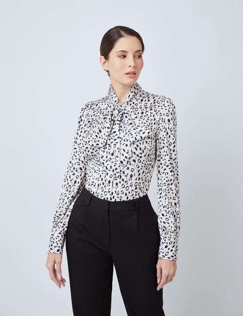 Schluppenbluse – Slim Fit – Satin – Weiß Schwarz Leo-Print