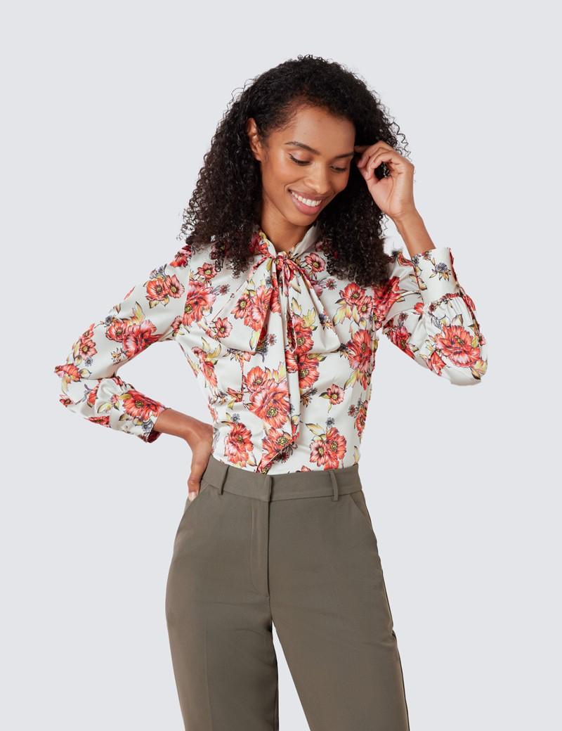 Schluppenbluse – Slim Fit – Satin – creme rot Blumenprint