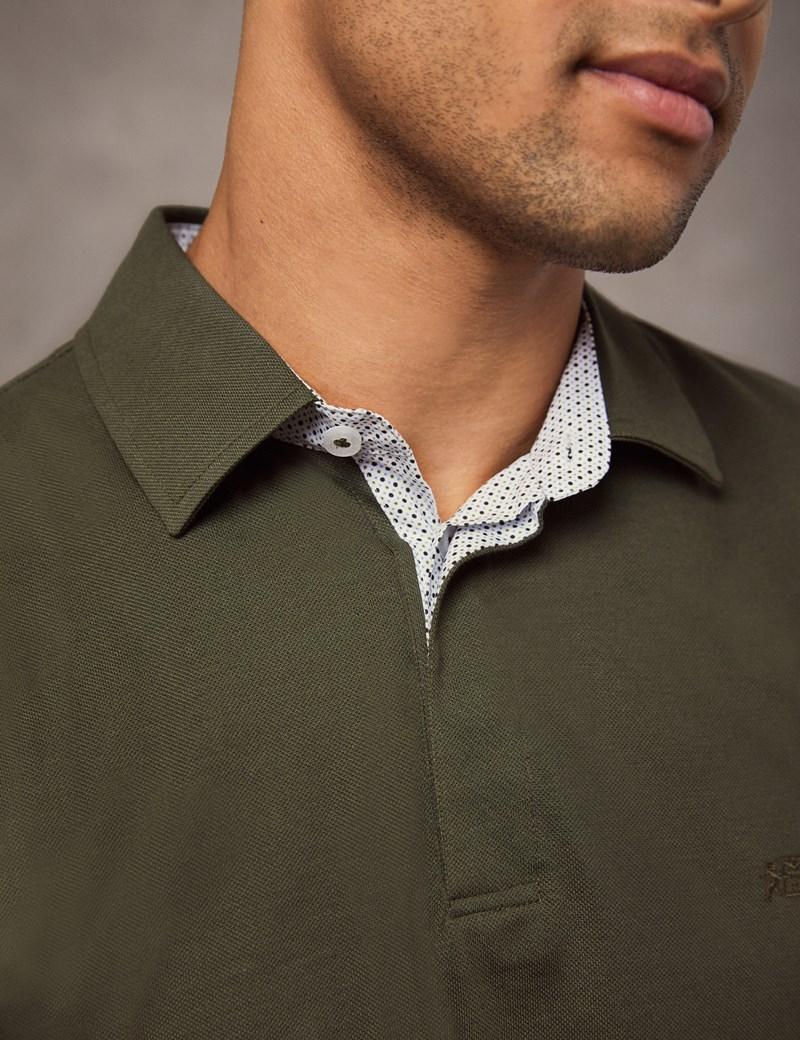 Polohemd – Regular Fit – Piqué – Olivgrün mit Logo & Kontrasten