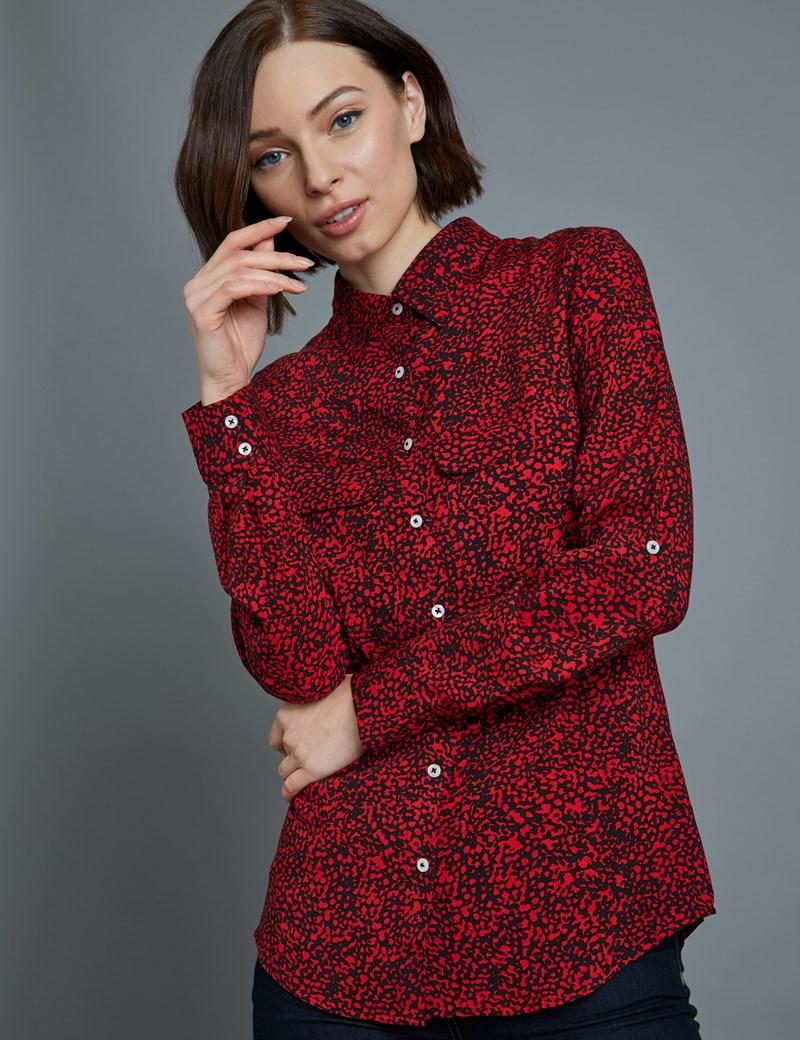 Bluse – Relaxed Fit – Viskose – Brusttaschen – Rot-Schwarzes Rauschen