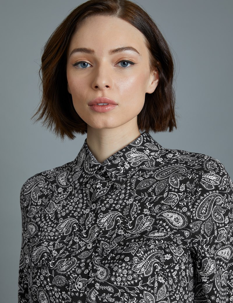 Women's Black & White Paisley Relaxed Fit Shirt - Single Cuff