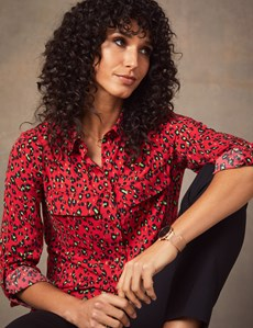 Women's Red & Green Leopard Print Relaxed Fit Shirt - Single Cuff