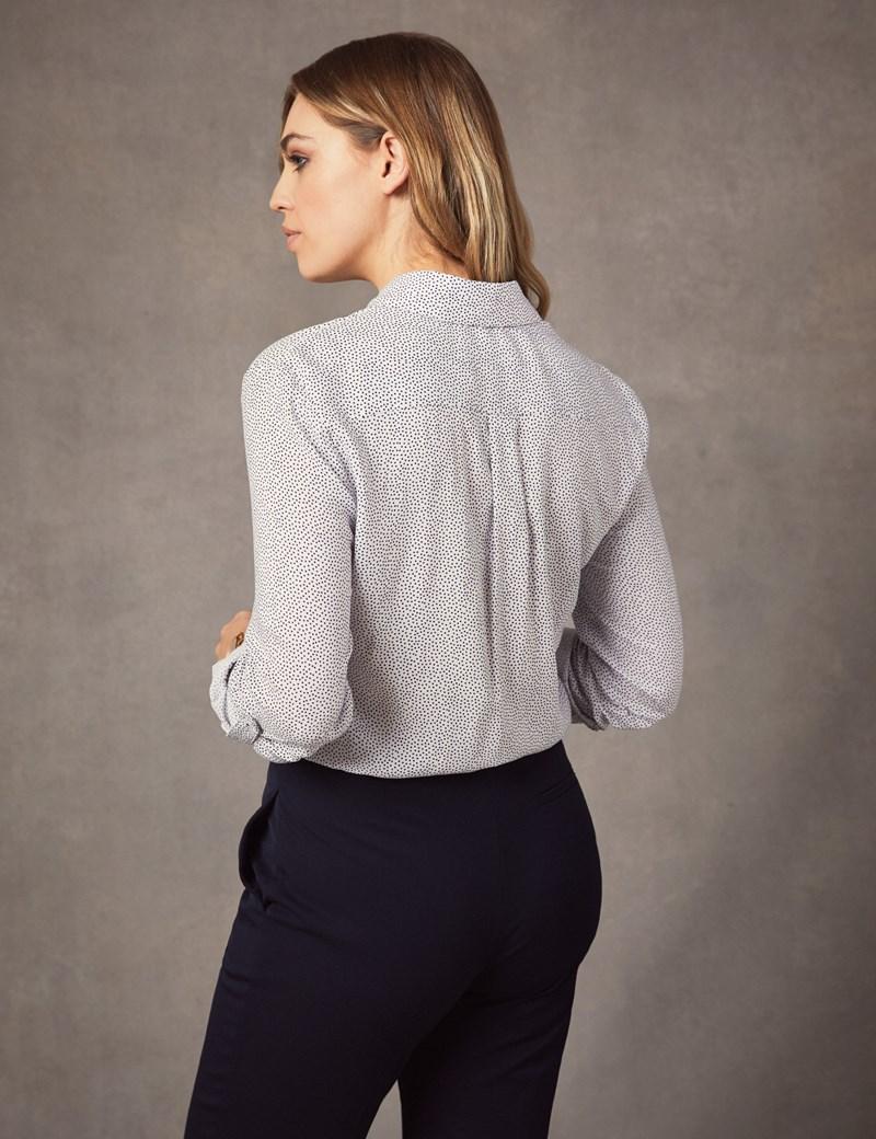 Bluse – Relaxed Fit – Viskose – Brusttaschen – Polkadots