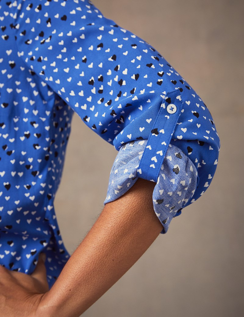 Bluse – Relaxed Fit – Viskose – Brusttaschen – Herzchen