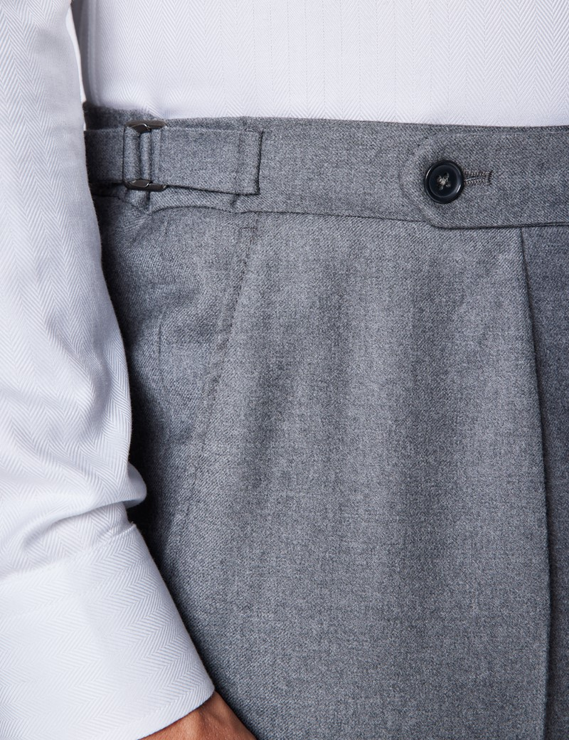 Men's Light Grey Italian Flannel Pleated Trousers – 1913 Collection
